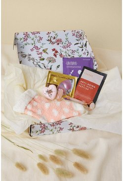 Baby pink Recharge And Pamper Beauty Gift Set