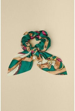 Green Chain Scarf Print With Pearl Scrunchie