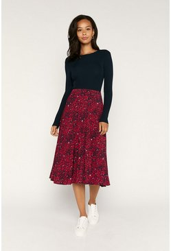 Red Heart Print Pleated Skirt